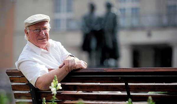 Schaut auf seine Biografie: der Weimarer Schriftsteller Wolfgang Held. Foto: Sascha Fromm