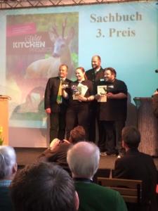Foto von Jana Rogge bei der Verleihung des 3. Preises in der Kategorie Sachbuch